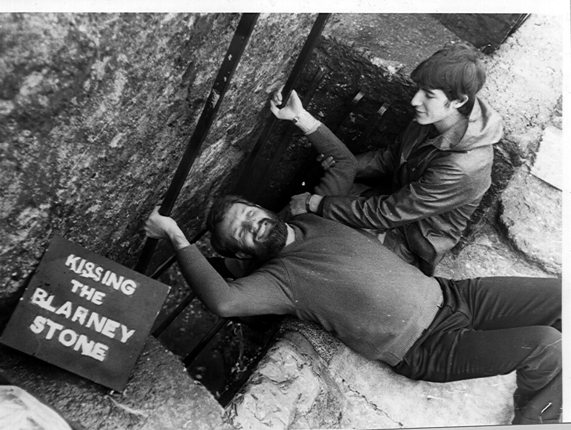 ANDRE JUTE KISSING THE BLARNEY STONE